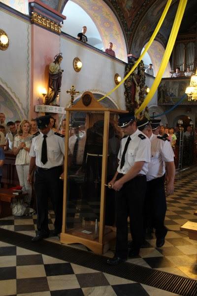 Z relikwiami św. O.Pio w Istebnej - IMG_3445.JPG