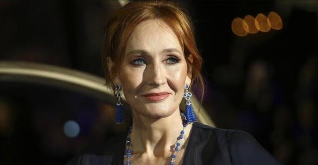 """O superfã de JK Rowling filma a si mesmo perseguindo uma mulher por vários blocos exigindo que ela explicasse a """"ideologia de gênero"""""""