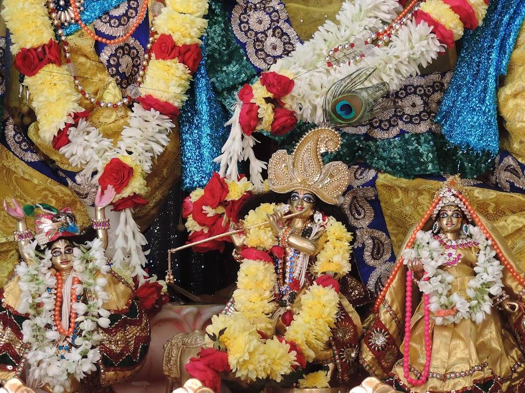 ISKCON Bangalore Deity Darshan 2 Jan 2016  (6)
