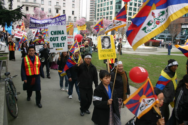 Global Protest in Vancouver BC/photo by Crazy Yak - IMG_0131.JPG