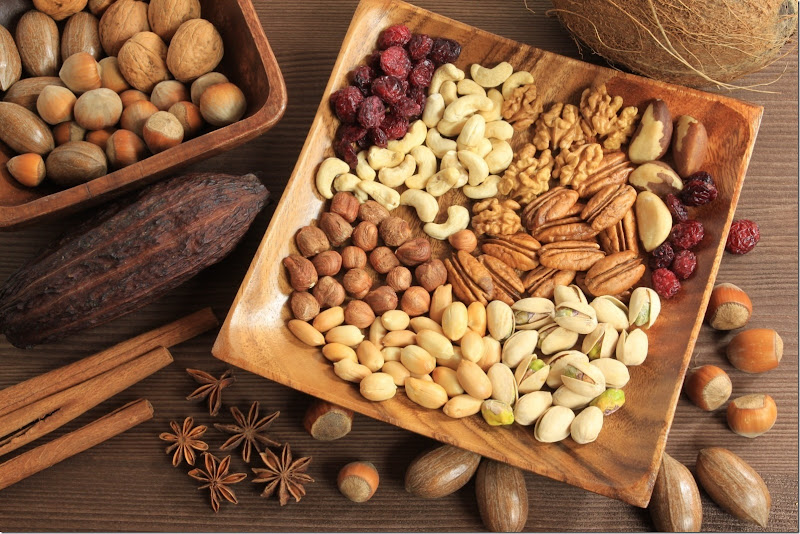 assorted-nuts-in-wooden-bowl-20170411105407[4]