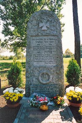 Pomnik poświęcony poległym w I-ej wojnie światowej Ręszowianom