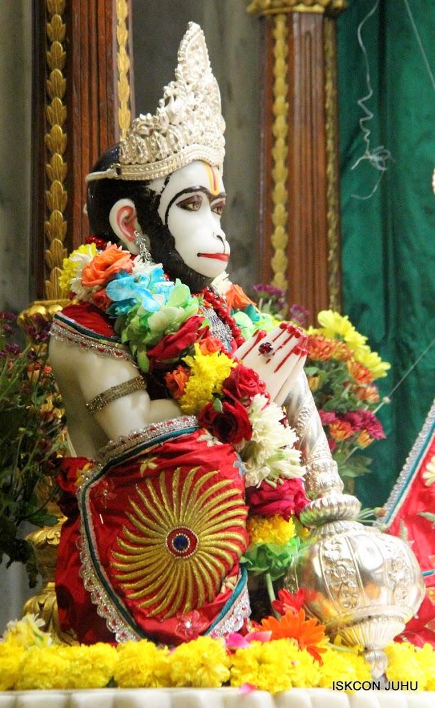 ISKCON Juhu Sringar Deity Darshan on 28th Aug 2016 (36)