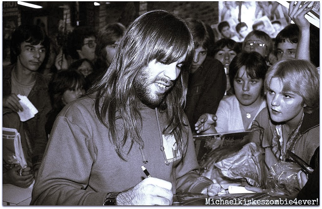 tbotr-bruce-firmando-autografosVancouver 1982.