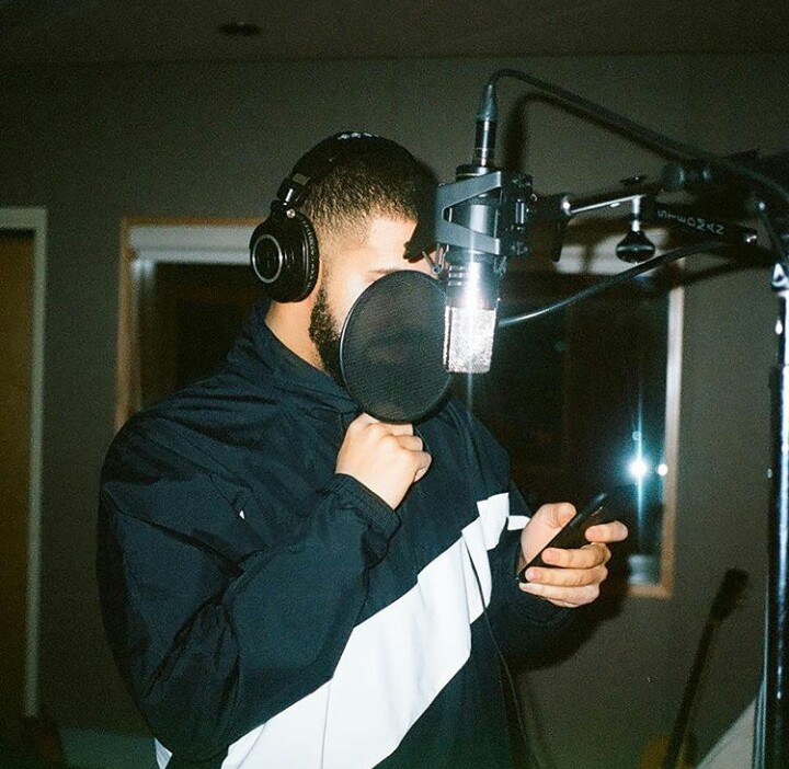 7b157127bfae6f Drake hits the studio wearing a Kith x Nike Take Flight summer collections  in Toronto (Details