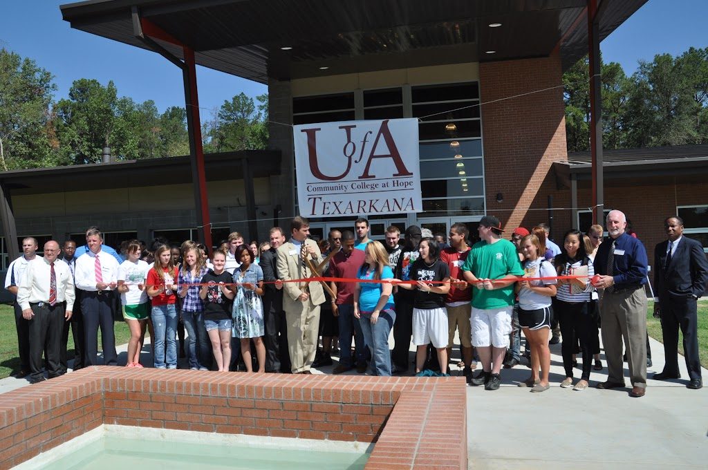 UACCH-Texarkana Ribbon Cutting - DSC_0398.JPG