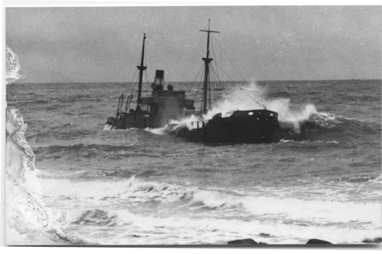 Naufragio del vapor MINA CANTIQUIN. Morrab Library Photographic Archive. Collins Shipwreck Collection.png