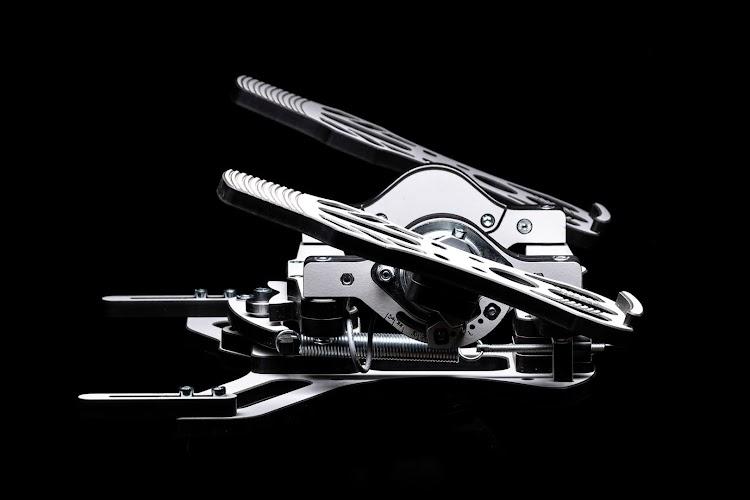 mfg-crosswind-rudder-pedals-3.jpg
