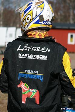 Lars visar ryggen