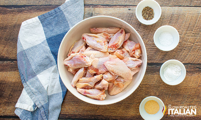 air fryer chicken wings ingredients (chicken wings, baking powder and spices)
