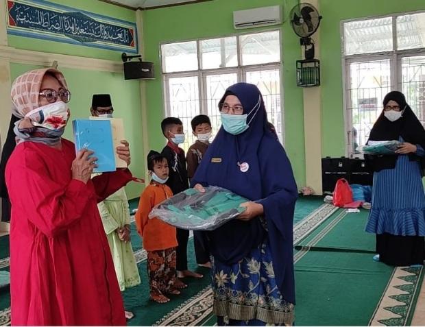 Salurkan Ribuan Buku dan Tas, JBB Masjid Al Quwait Jadi Inspirasi Kecamatan Lubeg