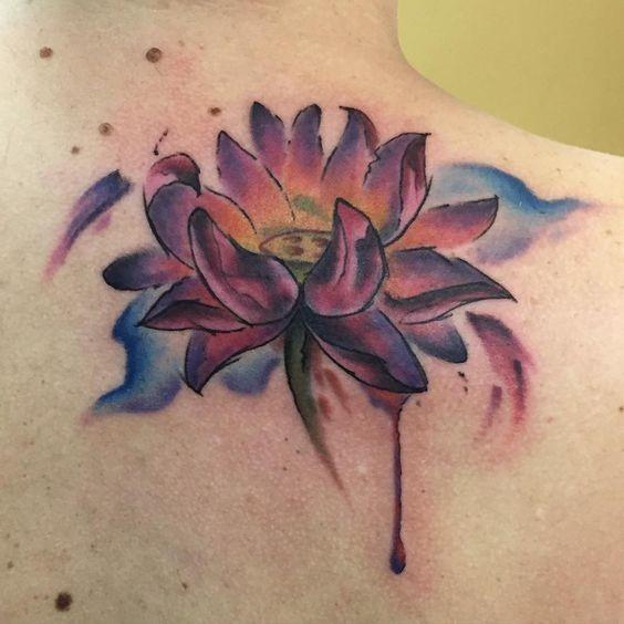 freehand_purple_lotus_ombro_tatuagem