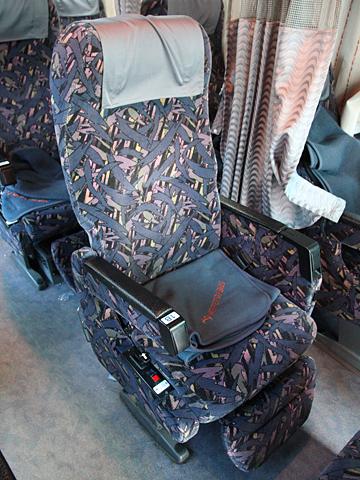 名鉄バス「青葉号」 2701 シート