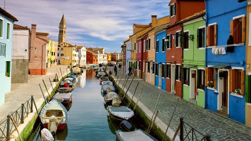 Canal, Burano, Venice, Italy.jpg