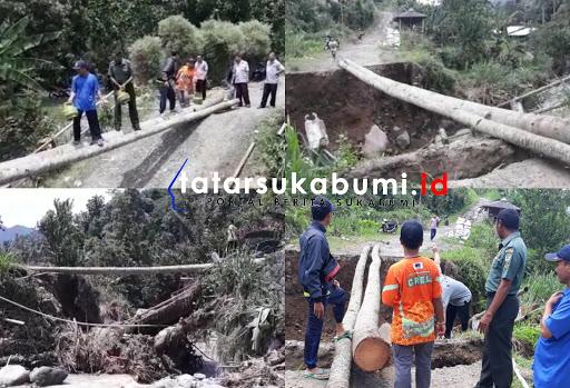 Jembatan Ciawitali Sukabumi Putus, Berbahaya Warga Terpaksa Pakai Jembatan Dari Batang Kelapa