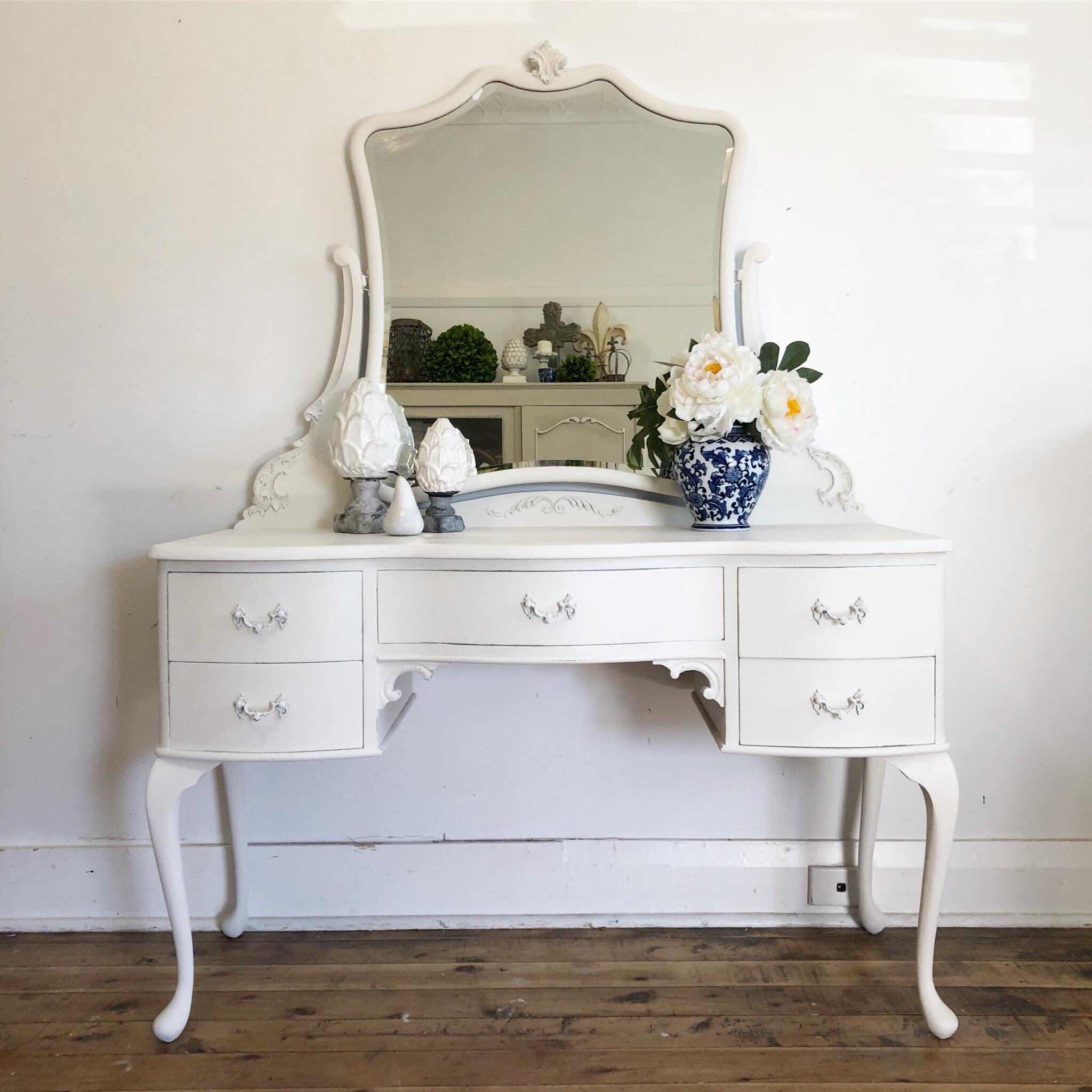Lilyfield Life Hand painted vintage dressing table