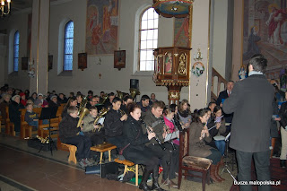 Koncert Orkiestry Dętej z Okulic i Chóru Parafialnego z Bucza. Bucze, 8.01.2012.