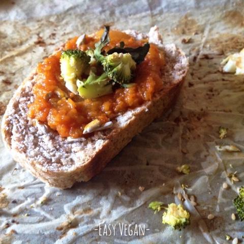 Sandwich alla mela verde con chutney di carote