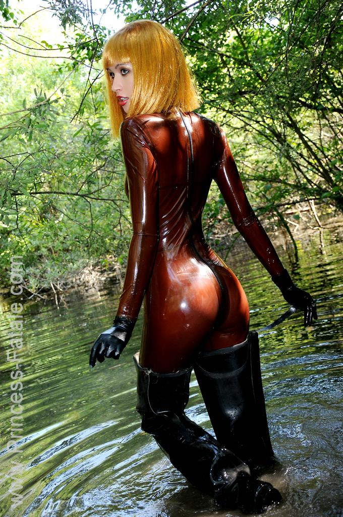 Latex Beauties Sexy Girls