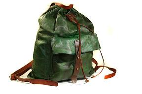 Кожаный рюкзак авторской ручной работы № 130 тёмно-зелёный