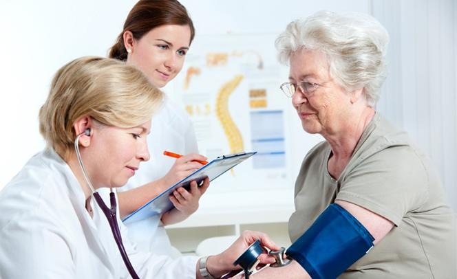 Cuáles son las características de la diabetes en personas mayores