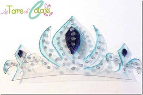 corona  Elsa de Frozan con una botella