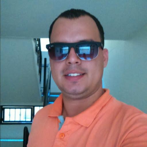 Cristian Manrique Photo 17