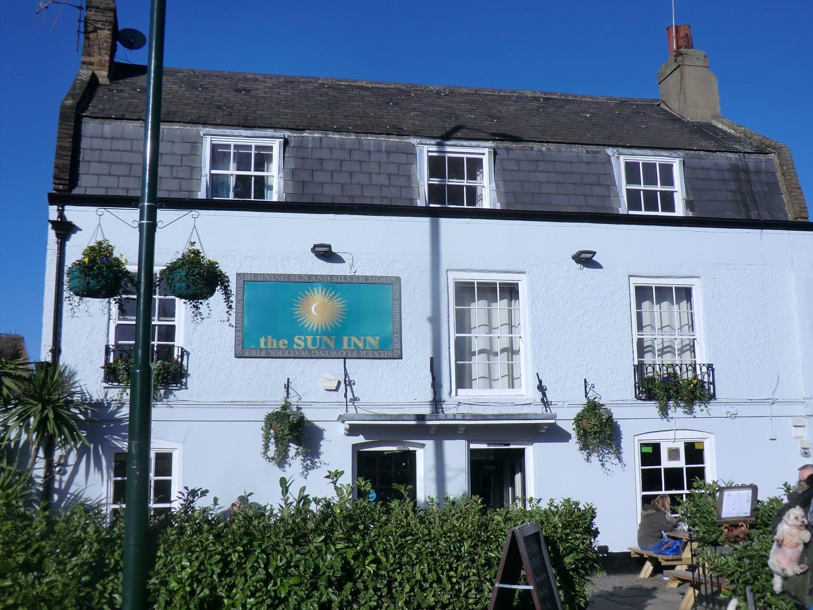 CIMG2489 Sun Inn, Barnes Green