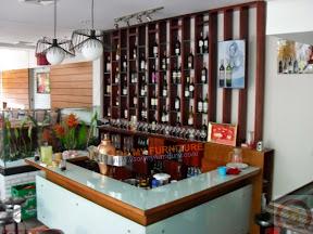 Tủ rượu gỗ 01