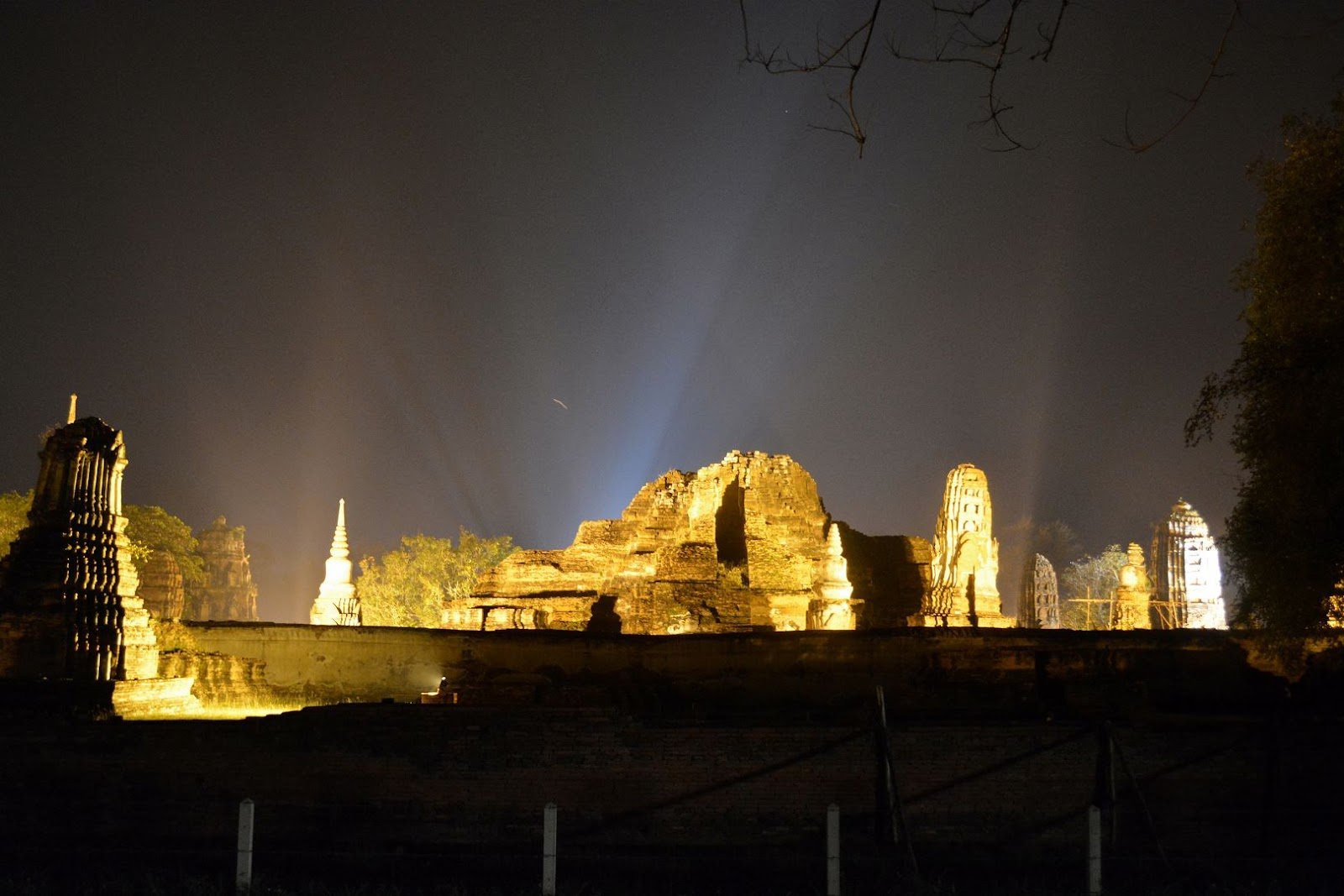 Wat Ratcha Burana, Ayutthata, Thailand