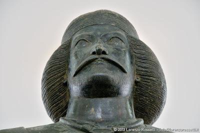 Museo Nazionale: statua di guerriero sassanide