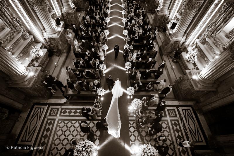 Foto de casamento 0766pb de Ana e Joao. Marcações: 29/10/2011, Casamento Ana e Joao, Igreja, Igreja Sao Francisco de Paula, Rio de Janeiro.