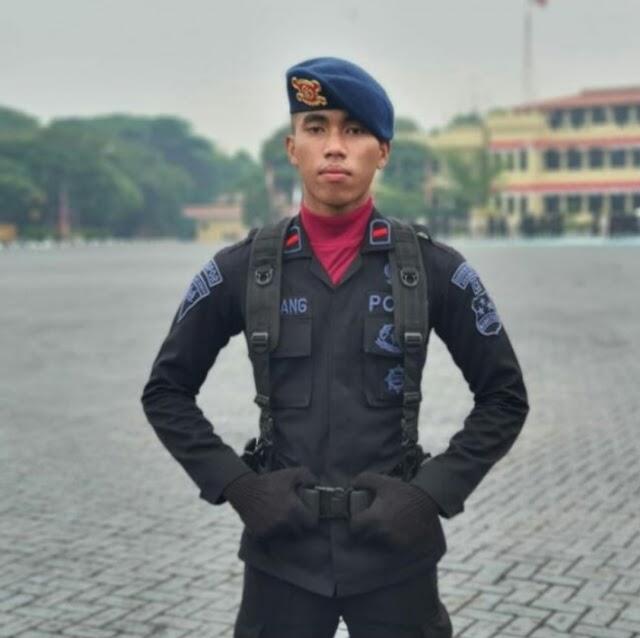 Jenazah Alm Bharada Komang Siang Ini di Terbangkan Ke Palembang