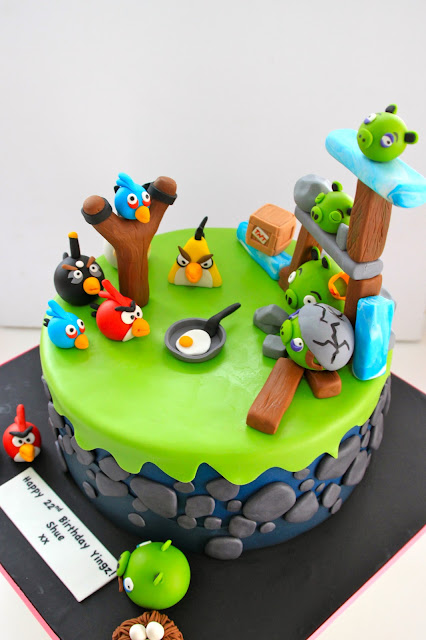 Celebrate with Cake!: Angry Birds Cake