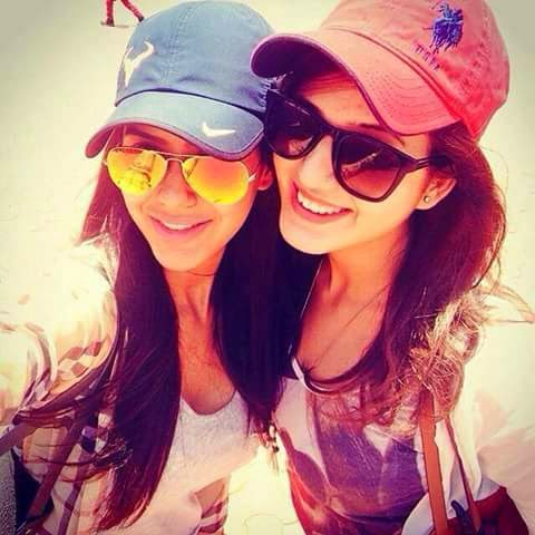 Beautiful Punjabi Girls Selfy