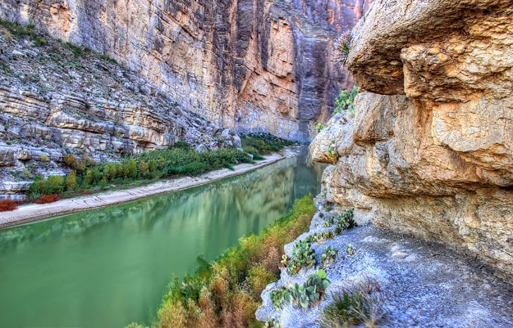 Santa Elena Canyon Texas (11 Beautiful Canyons in the US You Must Explore).