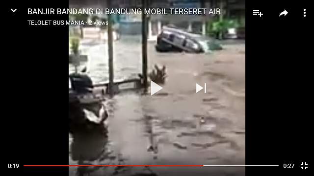 Bandung Banjir Parah..Mobil-pun Terseret Luapan Air Deras ... #PrayForBandung