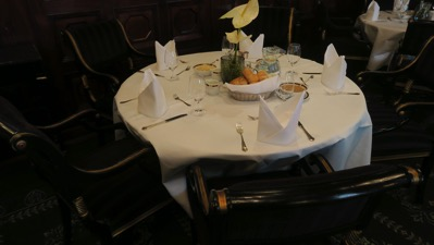 HS table setting