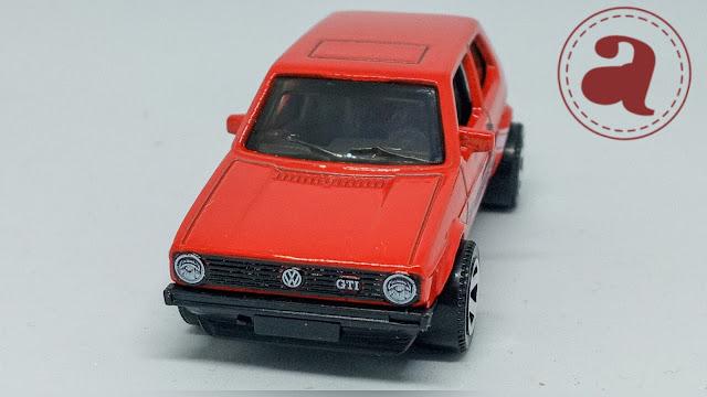 TAMPAK DEPAN MATCHBOX GERMANY - 1976 VW GOLF MK1