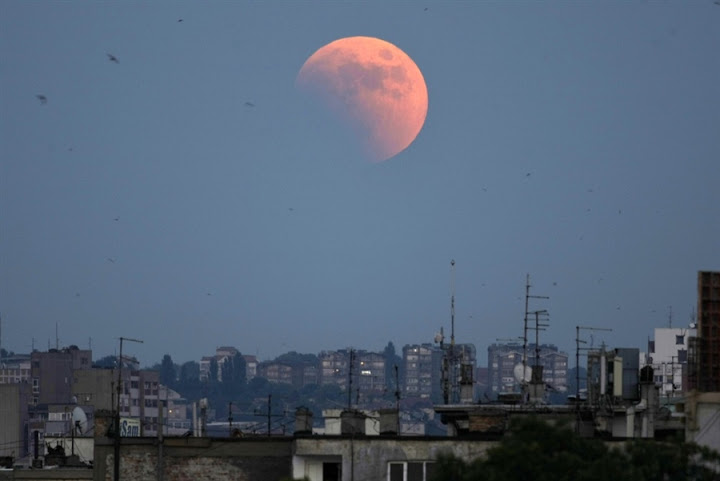 Pictures Of Lunar Eclipse From Around The World
