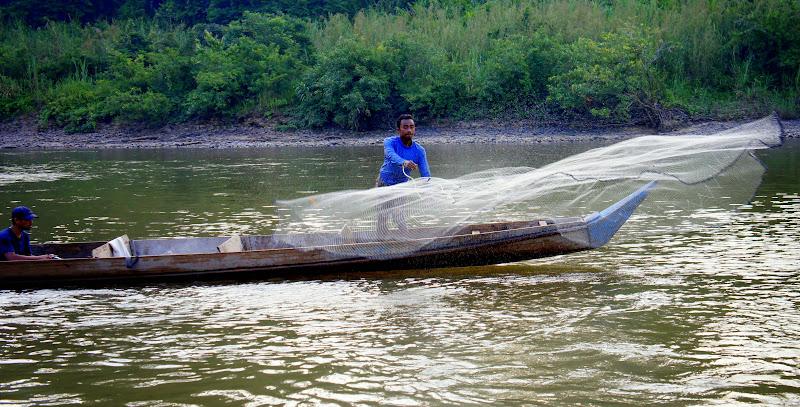Fischer auf dem Tembeling