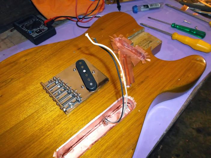 Construção guitarra telecaster, meu 1º projeto bolt on. Finalizado e com vídeo - Página 2 DSCF0056