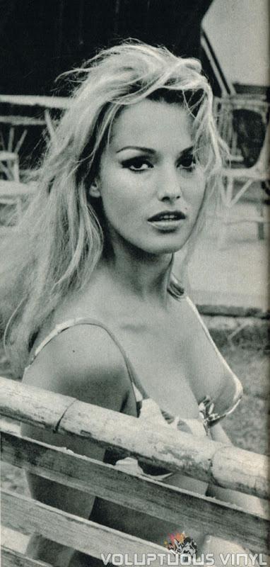 Magda Konopka in bikini