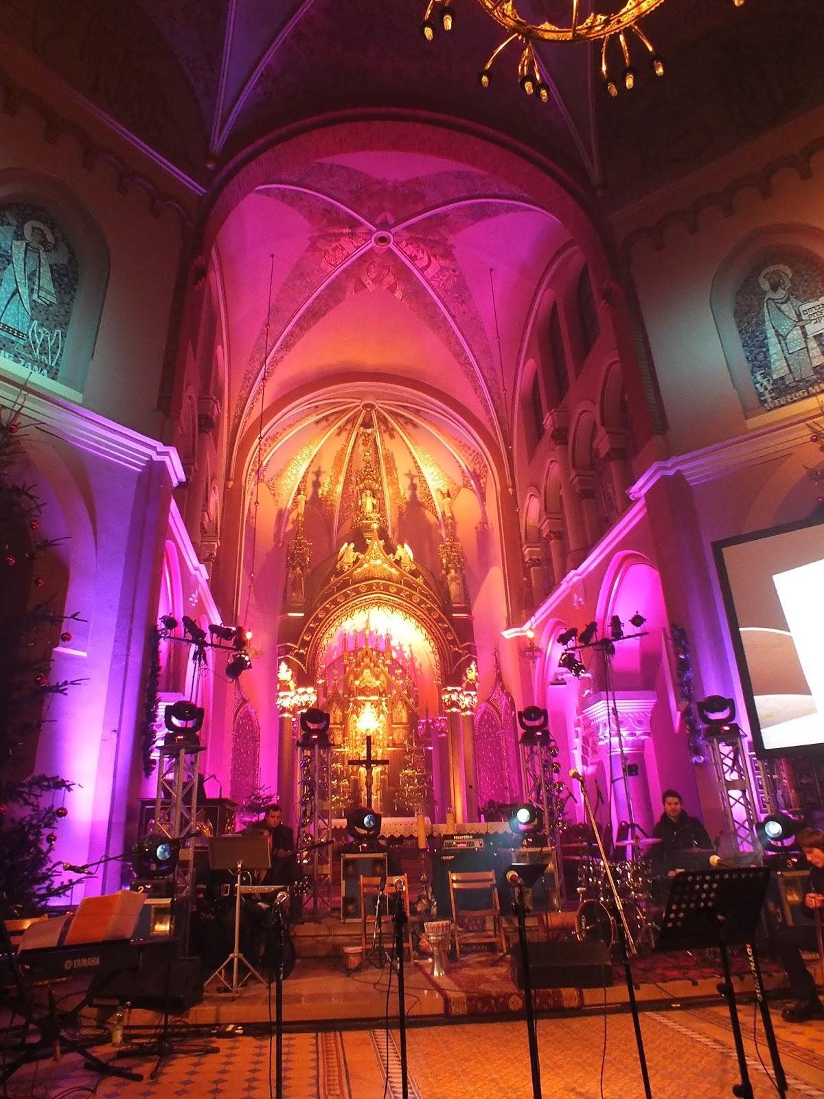 Fotografie z V koncertu Koledy dla Najmniejszych, który odbył się w krakowskim kościele oo. Redemptorystów. Autor zdjęć: Robert Glac