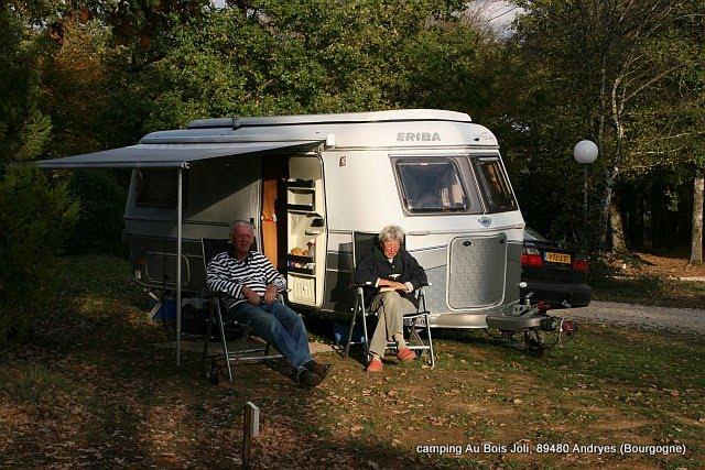 Caravan eriba camping au bois joli h eerlijk kamperen in de bourgogne - Caravan ingericht ...