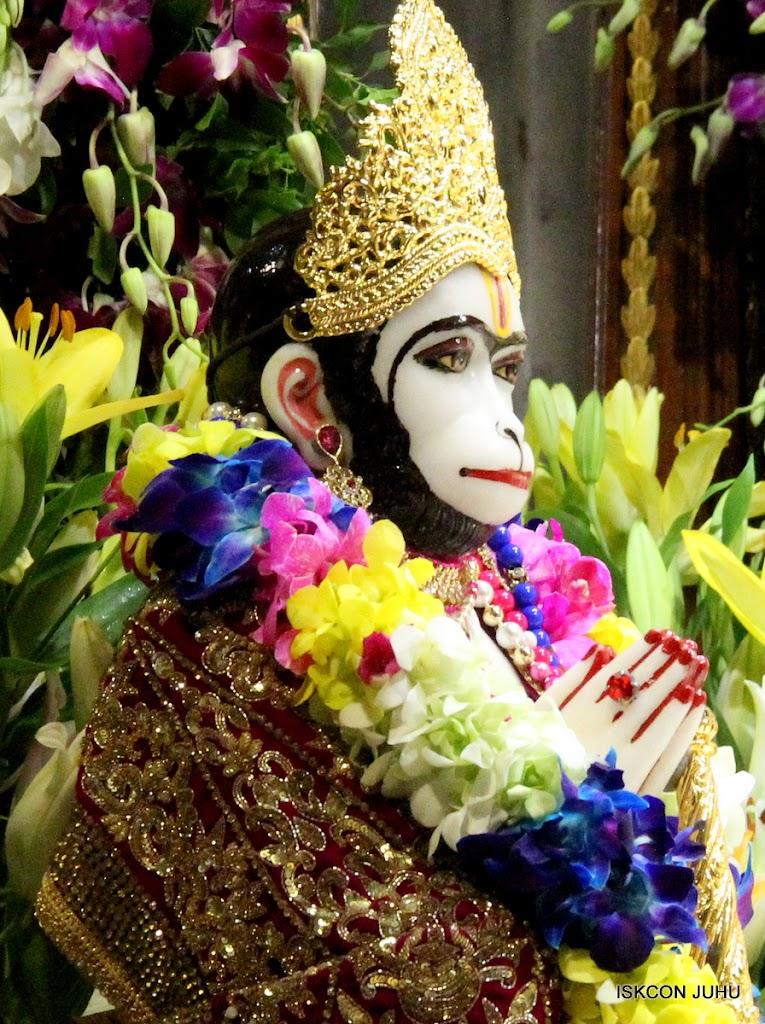 ISKCON Juhu Sringar Deity Darshan on 25th August 2016 (28)