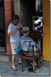 Hanoi. Flashes callejeros. Peluquería de caballeros