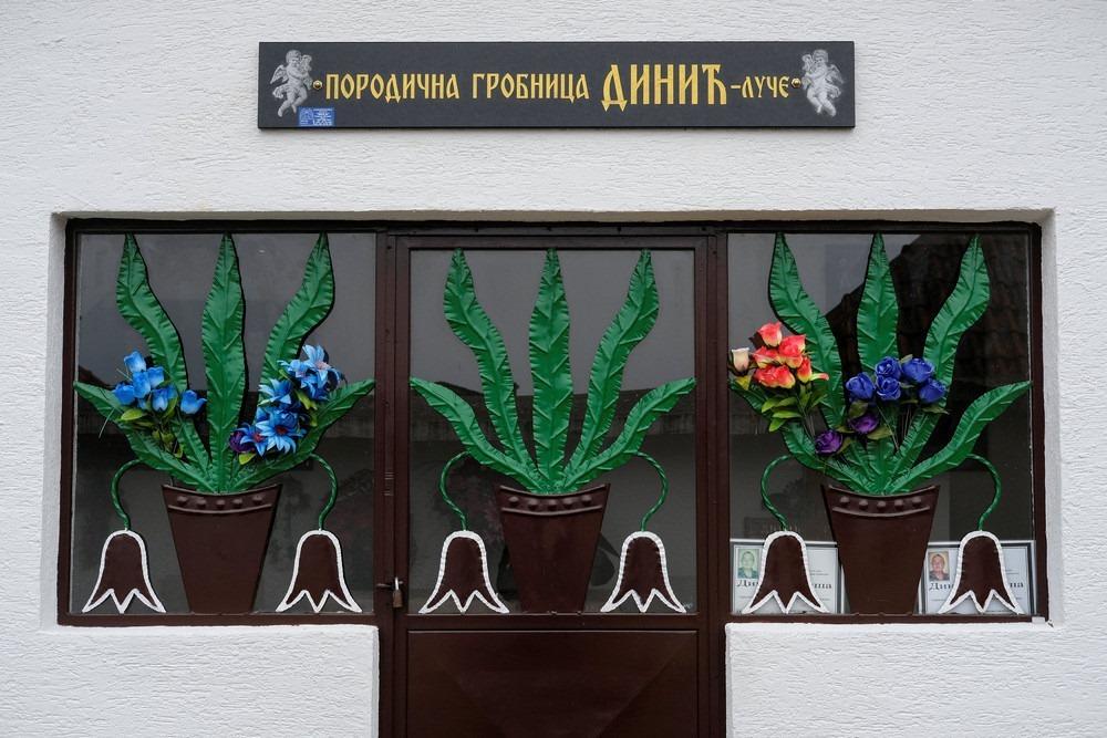 serbia-bungalow-cemeteries-14