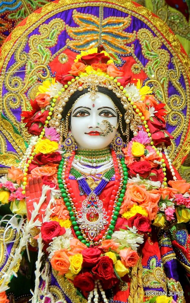 ISKCON Juhu Sringar Deity Darshan on 31st July 2016 (26)