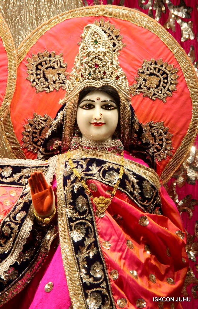ISKCON Juhu Mangal Deity Darshan on 28th April 2016 (19)